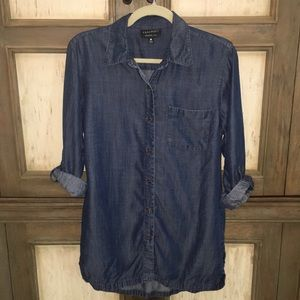 Foxcroft Blue Denim Look Button Down Shirt - 6